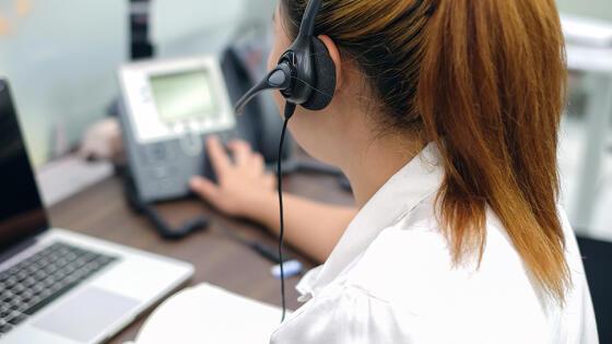 4dbb110a1092f Sprawdza, czy prawdziwe są skargi klientów, do których firma  telekomunikacyjna miała dzwonić z ofertą, nie mając na to zgody.