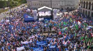 Ulicami stolicy przeszedł Marsz Wolności. Ratusz: 90 tysięcy osób. Policja: 12 tysięcy